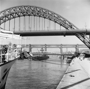 Tyne bridges, Newcastle AA55_04312