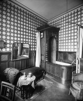 Victorian bathroom interior BL12335