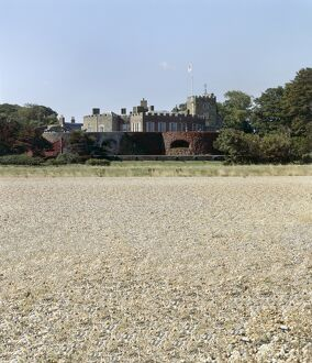 Walmer Castle from the beach J860338