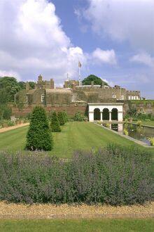 Walmer Castle and Gardens K980413