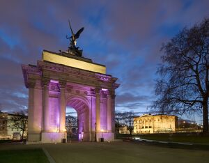 Wellington Arch and Apsley House N090055