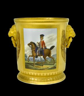 Wine cooler depicting a Hanoverian Hussar N081110