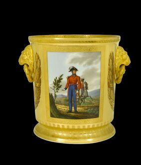 Wine cooler showing a Prussian Hussar N081109